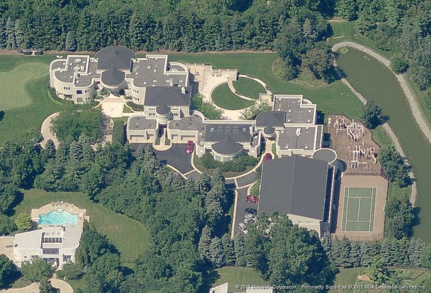 Michael Jordan Mansion Highland Park Il 02 Garden State