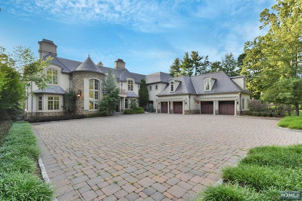Homes of famous celebrities in new jersey garden state for Nj house builders